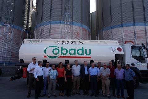 Juan Vicente Herrera, Presidente de la JCYL, en su visita a la cooperativa Cobadu