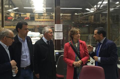 El Presidente y el Director Financiero de la cooperativa guiaron a la Ministra en su visita a la cooperativa