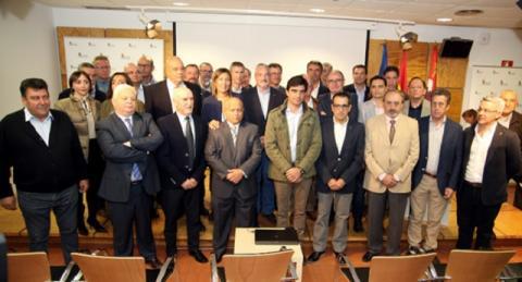 A la firma del documento de adhesión asistió Fernando Antúnez, director financiero de Cobadú