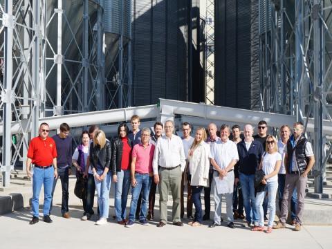 Delegación de fabricantes de piensos de Rusia y Polonia visitan la fábrica de Cobadu