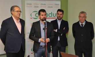 Luis Tudanca durante sus declaraciones en la visita a la cooperativa.