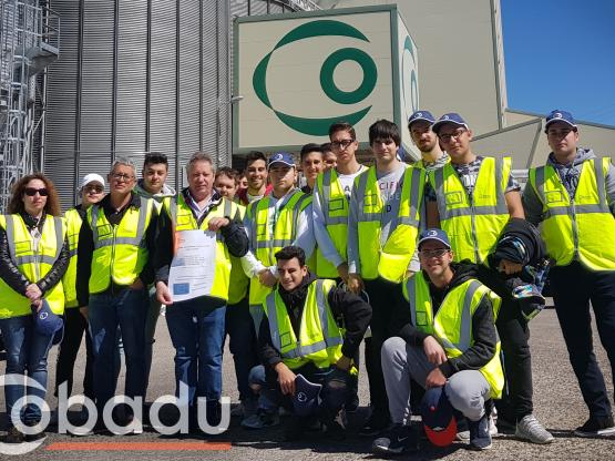 Alumnos de la Universidad Laboral en COBADU.